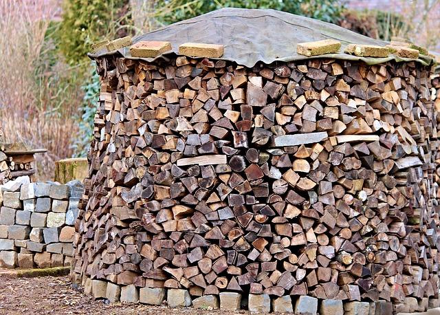 složené dřevo