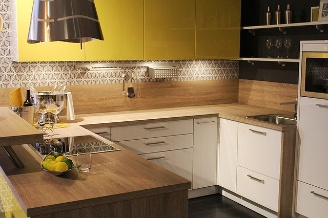 Krásná jednoduchá kuchyň