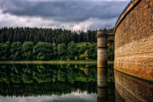 vodní přehrada