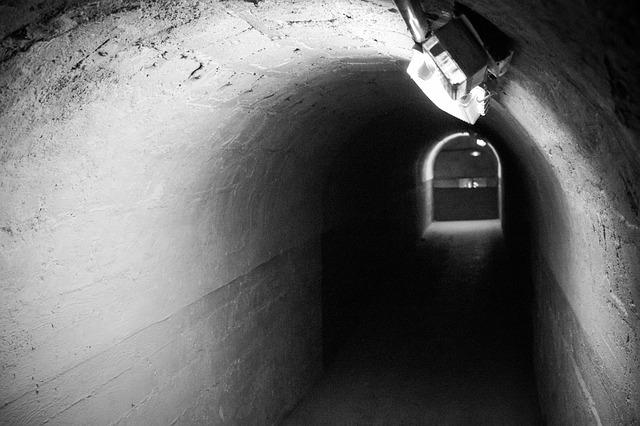 temný podchod
